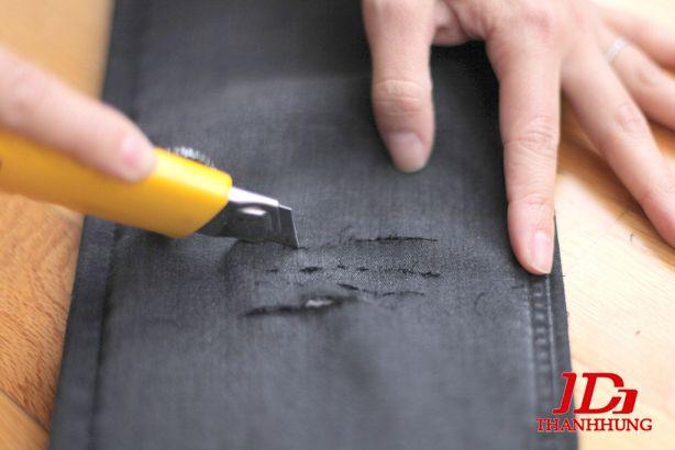 Cách làm quần Jean/Bò rách CỰC ngầu đơn giản 3