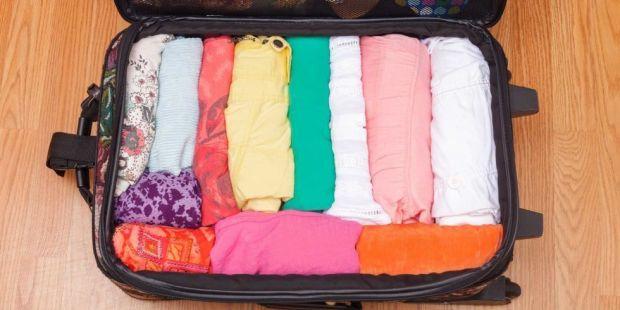Phân loại quần áo, những đồ ít dùng và trái mùa xếp xuống dưới
